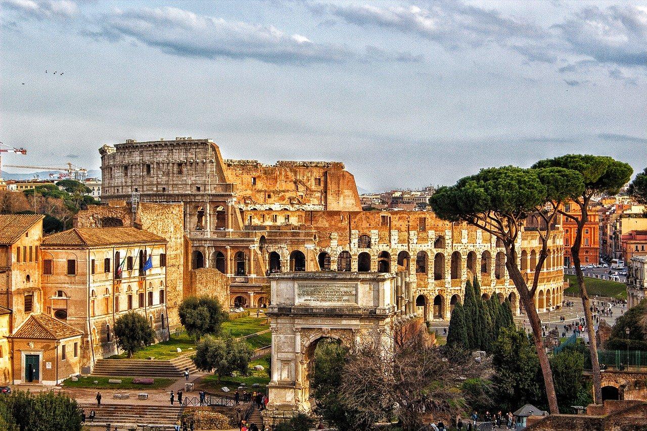 Andare in bici a Roma al Colosseo e ai Fori imperiali
