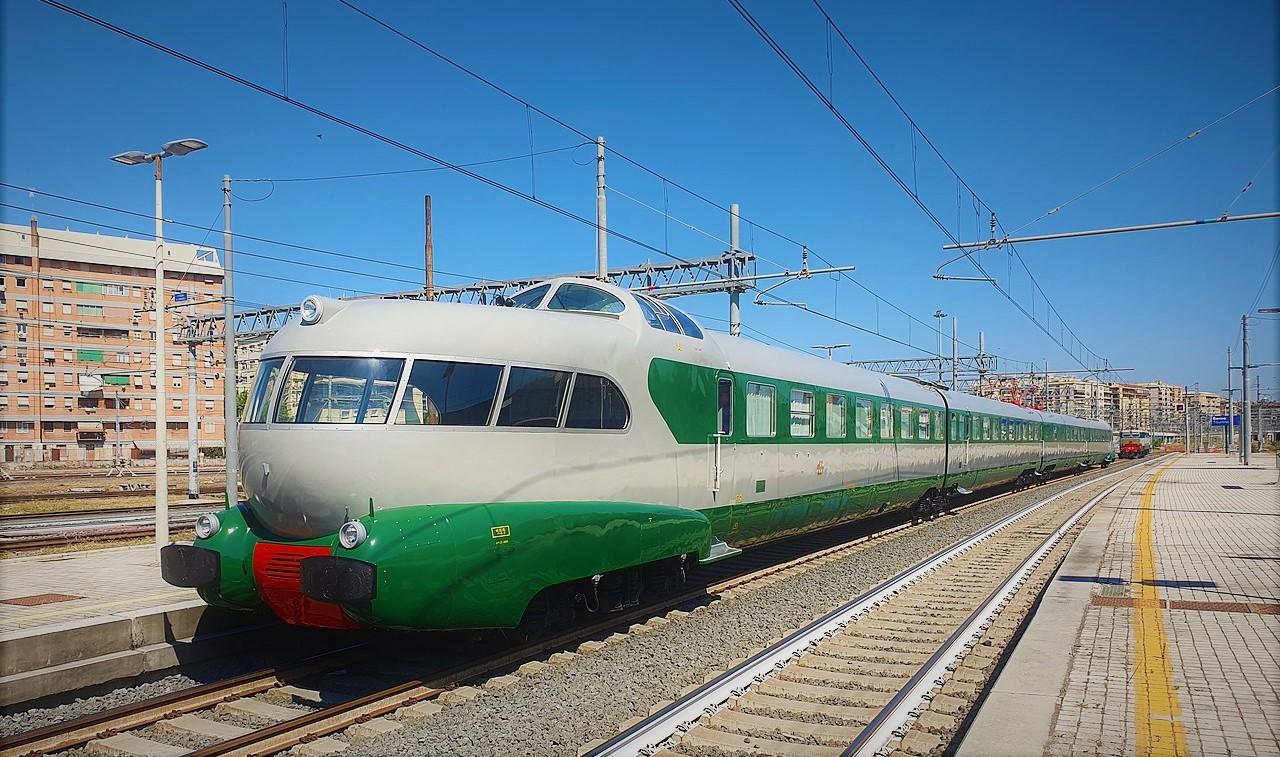 treno arlecchino