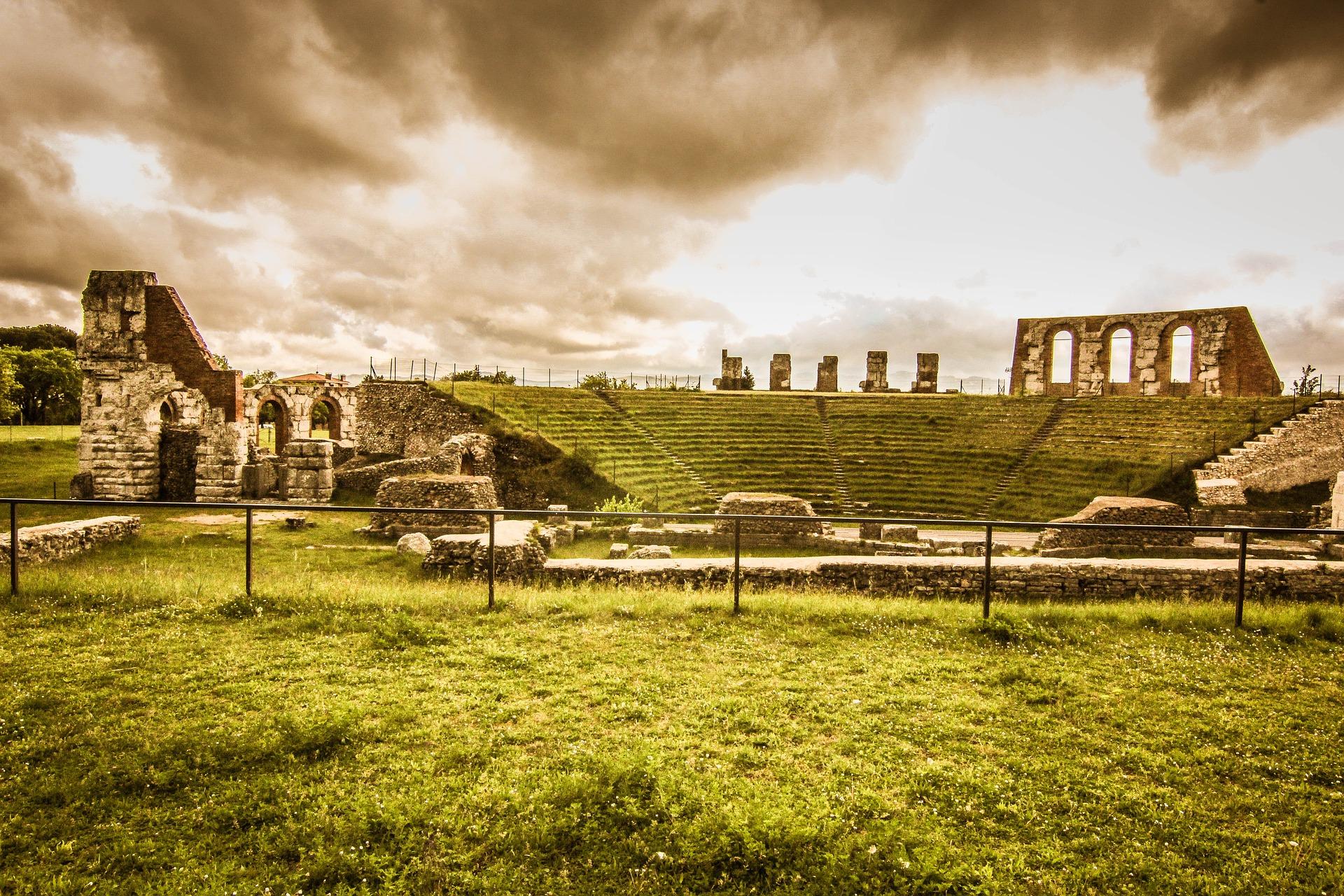umbria autunno teatro romano